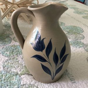 Williamsburg pottery picher